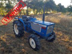 Trator Iseki TL2700