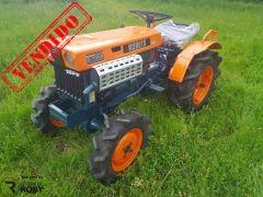 Trator Kubota B7000